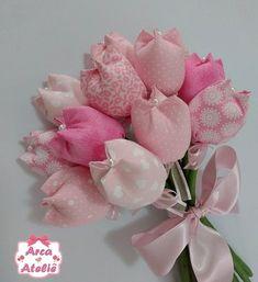 Buquê de Tulipas ( com 15 tulipas) em tecido, ideal para noivas ou daminha de honra.  Super delicado!