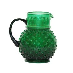 Lovely pitcher in a beatutiful green colour!