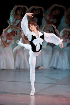 Xander Parish in Mikhael Fokine's Chopiniana Male Ballet Dancers, Professional Dancers, Ballet Beautiful, Irish Dance, Dance Photography, Ballet Shoes, Poses, People, Fictional Characters