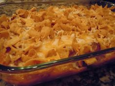 American Chili Casserole - tried it and we all loved it. Simple, quick dinner using ground beef - could always use a few of those recipes! Chili Casserole, Casserole Dishes, Casserole Recipes, Hamburger Casserole, I Love Food, Good Food, Yummy Food, Beef Dishes, Food Dishes