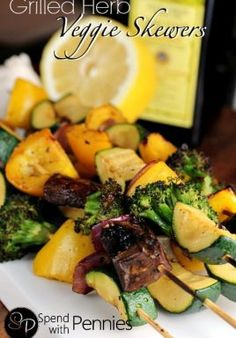 Grilled Herb Marinated Veggie Skewers - Spend With Pennies Grilled Vegetable Kabobs, Marinated Grilled Vegetables, Veggie Skewers, Grilled Meat, Real Food Recipes, Healthy Recipes, Clean Eating Dinner, Food Challenge, Pennies