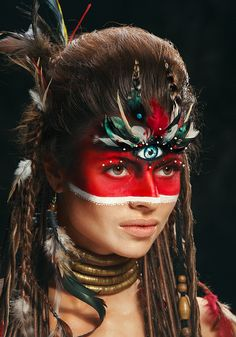 Cool makeup looks a little native American don't you think?