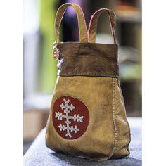 Handväska i renskinn och tenntråd | Shop in Scandinavia