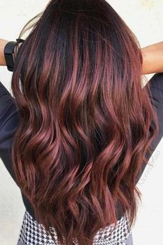 Trendy Hair Color : Check out these gorgeous burgundy hair colors for a sexy, sultry look tha Black Hair With Highlights, Hair Color Highlights, Ombre Hair Color, New Hair Colors, Blonde Color, Burgundy Highlights, Balayage Highlights, Caramel Highlights, Brown Balayage