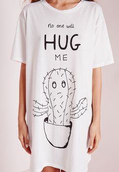 Missguided - No One Will Hug Me Slogan Nightshirt White