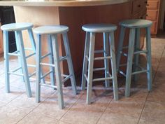 Shabby Chic Furniture DIY Laytex paint + baking soda + water
