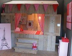 Mooie bedstee voor kinderkamer Kidsroom, Mood, Shelves, Holiday Decor, Furniture, Room Stuff, Home Decor, Bedroom Kids, Shelving