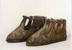 12th century shoes | Object number: 20038517 Object name: sandale Inventory number: 1825 ...