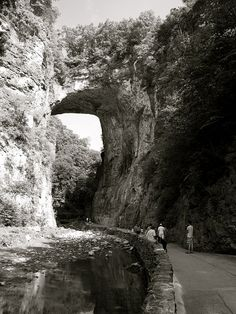 Natural Bridge, Kentucky.    [by K.G.Hawes, via Flickr]