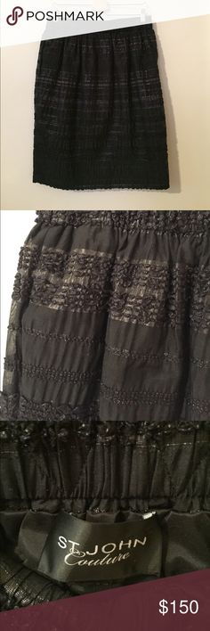 St. John Couture skirt size 10 This is a beautiful St. John Couture skirt in great condition! It has an elastic waistband, no zippers. Hits just below the knee. St. John Skirts A-Line or Full