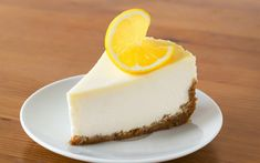 This super easy Italian cheesecake is the real deal. Not only it is delicious but very tasty. If you like cheesecake you are going to like this variation. Italian Rum Cake, Italian Cheesecake, No Bake Lemon Cheesecake, Cheesecake Recipes, Dessert Recipes, Fancy Desserts, Lemon Desserts, Salty Cake, Graham Cracker Crumbs