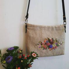 #Embroidery#stitch#needlework #Hemp linen#cross bag #프랑스자수#일산프랑스자수#자수 #햄프린넨#크로스 백 #딸냄을 위한 크로스 백 완성! ~ 엄마~짱,짱,짱~3번이나~ㅎ ~♥