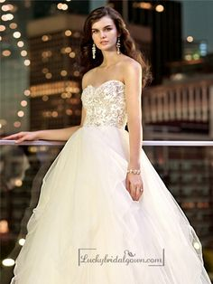 Essense of Australia - Style strapless tulle ball gown wedding dress with a sweetheart beaded bodice and flared skirt, Essense of Australia Popular Wedding Dresses, Wedding Dress Gallery, 2016 Wedding Dresses, Wedding Dresses Photos, Wedding Dress Sizes, Bridal Dresses, Wedding Gowns, Wedding Bells, Bridal Gallery