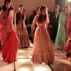 Pakistani Wedding Dance, Indian Wedding Songs, Indian Wedding Bridesmaids, Best Wedding Dance, Wedding Dance Video, Desi Wedding, Indian Wedding Outfits, Wedding Videos, Dance Choreography Videos