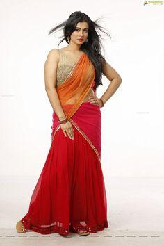 Sharmiela Mandre Spicy Hot actress hot saree hot navel hot cleavage photos www. Beautiful Girl Photo, Beautiful Girl Indian, Most Beautiful Indian Actress, Beautiful Saree, Gorgeous Women, Beautiful Pictures, Actrices Sexy, Dehati Girl Photo, Sari