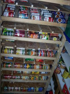 DIY self-rotating food storage shelves.