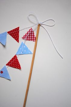 a pretty cool life.: Party prep: cake bunting tutorial
