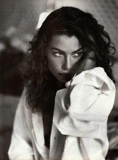 Vogue Italia November 1991 All Black Photo Pamela Hason Editor Brana Wolf Model Carré Otis Hair Orlando Pita Makeup Lesley Chilkes