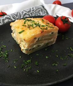 Spanakopita, Ethnic Recipes, Food, Mariana, Salads, Eten, Meals, Diet