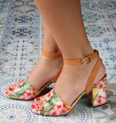 LOTILIA-A HAWAII :: CHAUSSURES :: CHIE MIHARA SHOP ONLINE