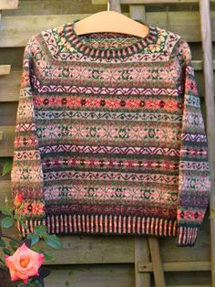 a knit and crochet community Diy Knitting Cardigan, Lace Knitting, Knit Crochet, Knitting Machine Patterns, Fair Isles, Fair Isle Pattern, Fair Isle Knitting, Vintage Sweaters, Knitting Designs