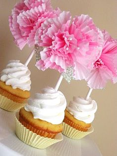 DIY Cupcake Flower Toppers for Girls baby shower cupcake baby shower baby shower ideas baby girl baby shower party ideas cupcake toppers cupcake liners baby shower ideas for girls Sweet Cupcakes, Love Cupcakes, Baby Shower Cupcakes, Yummy Cupcakes, Cupcake Party, Cupcake Cookies, Diy Cupcake, Birthday Cupcakes, Shower Baby