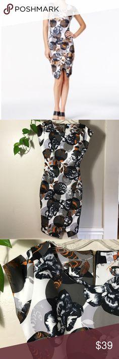 "Bar Iii 3641 Womens White Floral Print Cap Sleeves Bar Iii Womens White Floral Print Cap Sleeves Sheath Party Dress. 36"" long. B056. Lightweight fabric. Gold colored zipper on backside. Egret combo pattern. Bar III Dresses Midi"