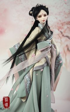 This is girl's dress for A-STUDIO bjd. This outfit is so cute and more enticing to the eyes of anybody. Try to dressed up your doll and see the difference. Pretty Dolls, Beautiful Dolls, Geisha, Ooak Dolls, Barbie Dolls, Chinese Dolls, Enchanted Doll, Gothic Dolls, Realistic Dolls