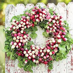 Radish Wreath Easter & Spring - this is such an awesome idea! and a much cheaper way of having a beautiful spring wreath than buying one! Diy Wreath, Door Wreaths, Wreath Ideas, Wreath Making, Easter Wreaths, Christmas Wreaths, Corona Floral, Simple Centerpieces, Centerpiece Ideas