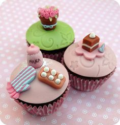 "Cupcakes like the color theme idea. would like the ""bakery"" look but want more to it too bakery cupcakes Pretty Cupcakes, Beautiful Cupcakes, Yummy Cupcakes, Cupcake Cookies, Baking Cupcakes, Fondant Cupcakes, Cupcake Toppers, Cake Pops, Decoration Patisserie"