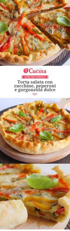Torta salata con zucchine, peperoni e gorgonzola dolce