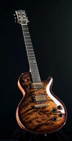 """Foto: Nik Huber Orca """"Información sobre Guitarras y…"""