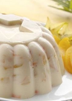 Receta de gelatina de zanahoria con duraznos. Aprend e a preparar esta gelatina, combinando la ralladura de zanahoria con duraznos. Recetas de postres.