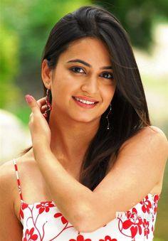 Kriti Kharbanda Actress Biography and Lifestyle Zayn Malik Lyrics, Kriti Kharbanda, Cool Lyrics, Indian Girls, Indian Beauty, Biography, Boyfriend, Actresses, Songs