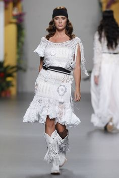 Francis Montesinos  2011 crochet dress
