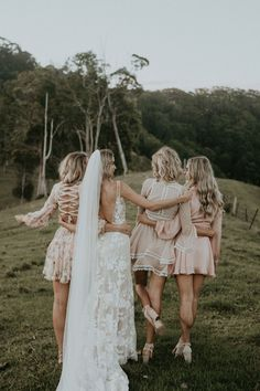 Tips For Planning The Perfect Wedding Day Wedding Goals, Wedding Pics, Boho Wedding, Wedding Styles, Dream Wedding, Wedding Day, Wedding Venues, Bohemian Bridesmaid, 00s Mode