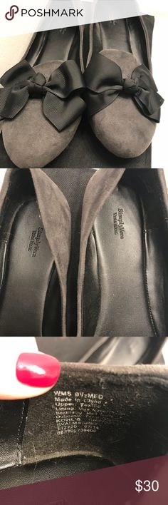 Gray suede with black bow flats Gray suede, black bow, nearly worn. Size 9.5. Simply Vera Vera Wang Shoes Flats & Loafers