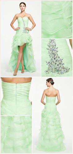 robe basucle verte orné de strass à jupe volantée Evening Dresses, Prom Dresses, Formal Dresses, Strapless Dress Formal, Dress Online, Princess, Evening Party, Cocktail Dresses, Occasion Dresses