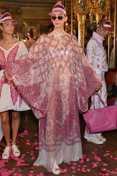 Zandra Rhodes - Spring/Summer 2016 Ready-To-Wear - LFW (Vogue.co.uk)