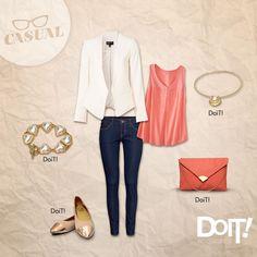 Outfit casual. El blazer blanco le da el toque elegante. DoiT