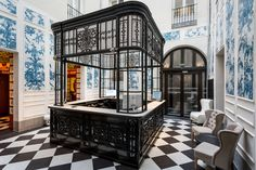 Only YOU Boutique Hotel blends the design of the historic with modern Madrid flair. The work of designer Lázaro Rosa-Violán Boutique Hotel Madrid, Best Boutique Hotels, Madrid Hotels, Hotel Art Deco, Berlin Apartment, Spanish Interior, Hotel Reception, Commercial Interiors, Contemporary Decor