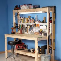 Garage or basement bench. workbench plans - diy workbench from family handyman Building A Workbench, Diy Workbench, Folding Workbench, Workbench Designs, Diy Jewelry Workbench, Pallet Workbench Ideas, Workbench With Pegboard, Simple Workbench Plans, Small Workbench