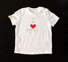 Camiseta I LOVE.  Lo hacemos con el nombre que quieras!! Mamá, papá, abuela, Tía Lucía...el que elijas!
