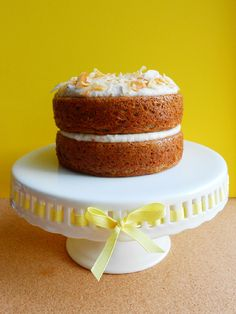 Paleo Banana Cake with Coconut Whipped Cream - Confessions of a Confectionista It has come to my attention recently that I am not at the weight or physique I want to be at and I think it's because my diet primarily . Ripe Banana Recipe, Banana Bread Recipes, Banana Pudding, Paleo Sweets, Paleo Dessert, Real Food Recipes, Cake Recipes, Cakes Plus, Paleo Baking