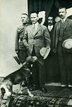 7 Yeni Atatürk Fotoğrafı Turkish Army, The Turk, Turkish People, Republic Of Turkey, The Republic, Turkey History, Great Leaders, Istanbul Turkey, Turkish Recipes