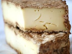 Tome de Savoie - Semi-firm cow milk cheese with nutty and delicious flavors.