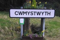 """14 Welsh placenames with no (English) vowels - and how to pronounce them phonetically. - """"Cwmystwyth (Cwm-uss-twith) High in the hills above Aberystwyth lies the village of Cwmystwyth, where silver, lead and zinc has been mined since the Bronze Age"""". England Ireland, England And Scotland, Welsh Words, Welsh Language, English People, Wales Uk, South Wales, Aberystwyth, How To Pronounce"""