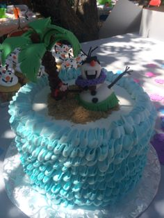 Olaf Summer Cake. Love cake topper only on this.