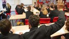 دولت انگلستان اعلام کرده است که آموزش مسائل جنسی در مدارس این کشور اجباری میشود.    Source: کارگاه خبر ژوپیآ