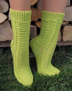 Knitting Pattern Name: Nicus Pattern by: Elke Becker Knitting Videos, Loom Knitting, Knitting Socks, Free Knitting, Knitted Hats, Knitting Patterns, Knit Socks, Bed Socks, Little Cotton Rabbits